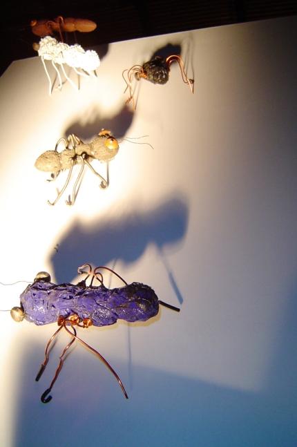 6.Formigas Mutantes - 2003 - Reutilização de plásticos pós-c