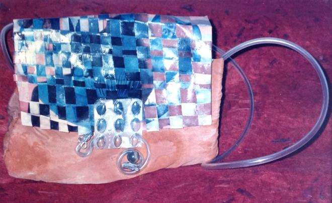 Da série O TEMPO - tecido e papel foto pós-consumo | Ddaniela Aguilar