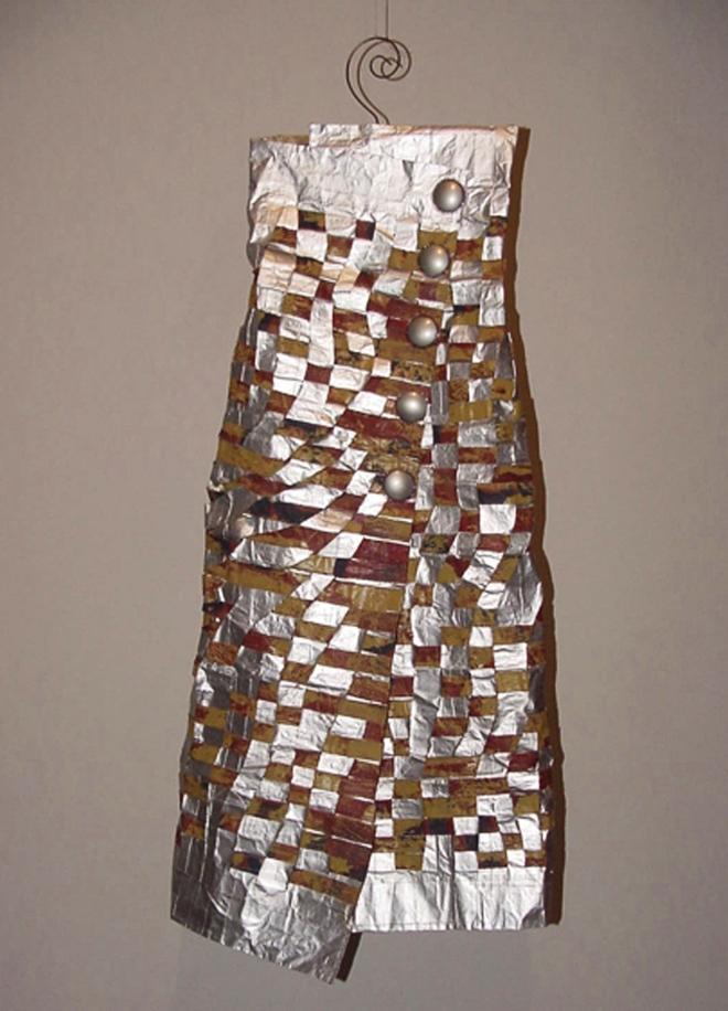 Da série O TEMPO - tecido e embalagem tetrapark pós-consumo | Ddaniela Aguilar