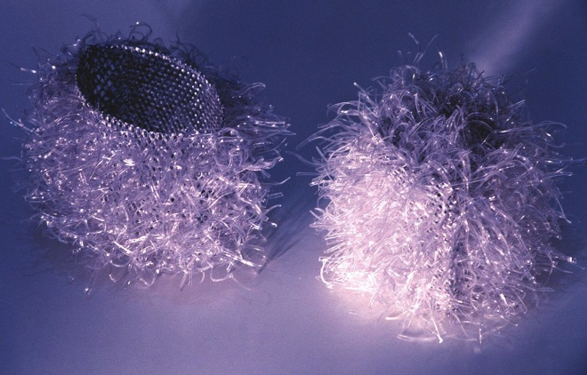 Série Porco-Espinho (2003) - PET e alumínio pós-consumo | Ddaniela Aguilar